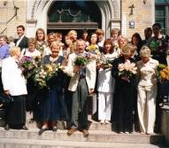 Ar kursabiedriem, priekšplānā no kreisās cien. Ārija Karpova (aizgriezusies), Māra Vidnere, Viktors Ozoliņš